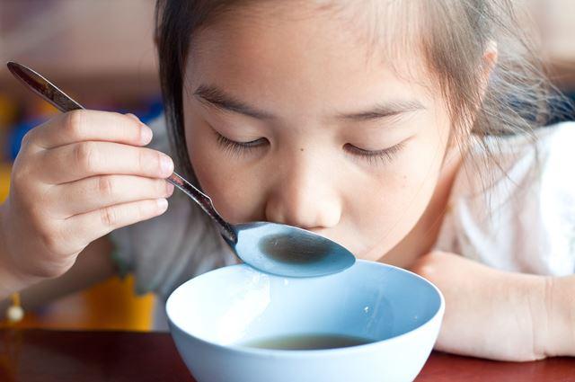 Mange ta soupe sinon tu ne grandiras pas !