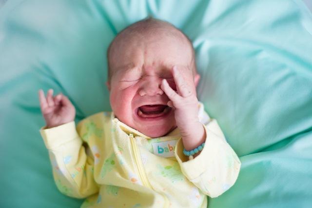3 pistes pour gérer les pleurs de décharge d'un bébé