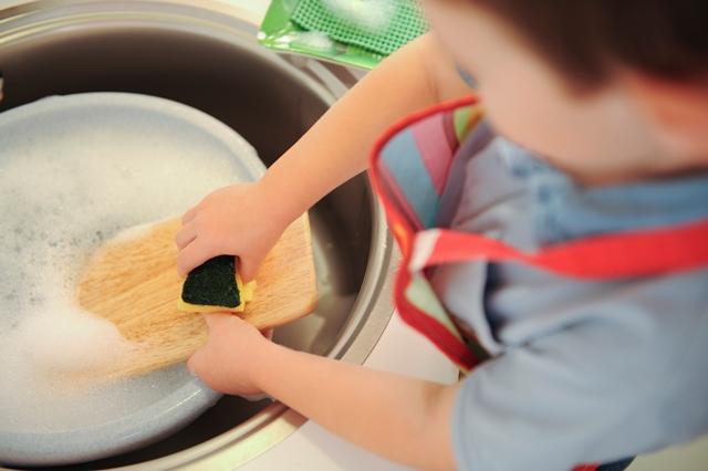 Les 3 atouts de la vie pratique Montessori pour les enfants d'aujourd'hui