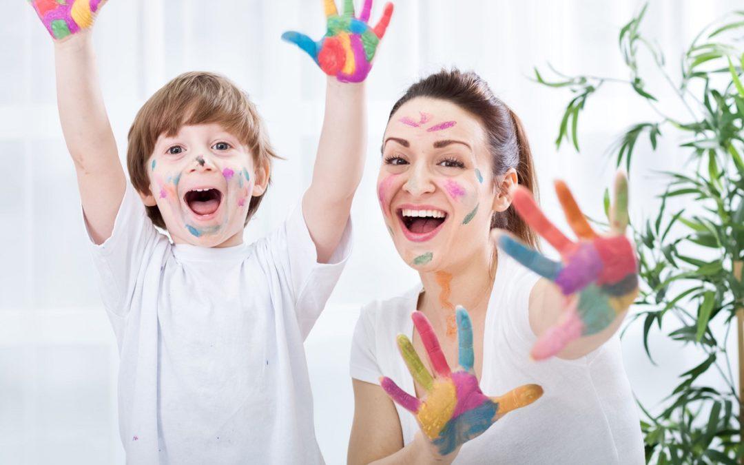 Une astuce pour que l'enfant adhère mieux à l'activité que vous lui proposez