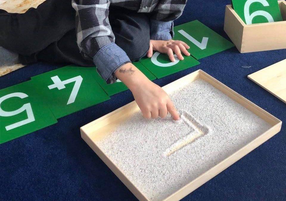 Montessori: pourquoi les enfants «travaillent» ?