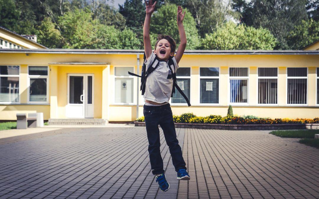 Motiver, intéresser et engager les enfants grâce à deux questions simples